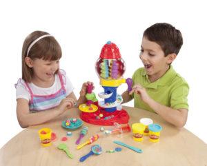 Play Doh Bonbon-Fabrik + 4 Knetdosen 3+ Hasbro