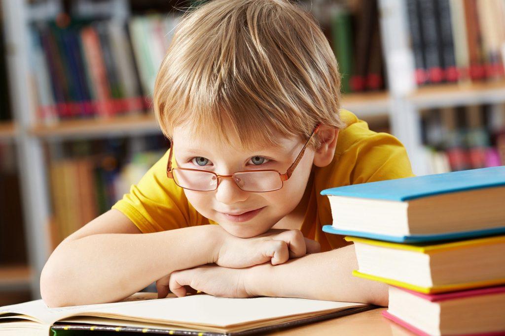 Frustfreies Lernen - 10 Lerntipps für Kinder, so können Eltern Ihren Kindern helfen