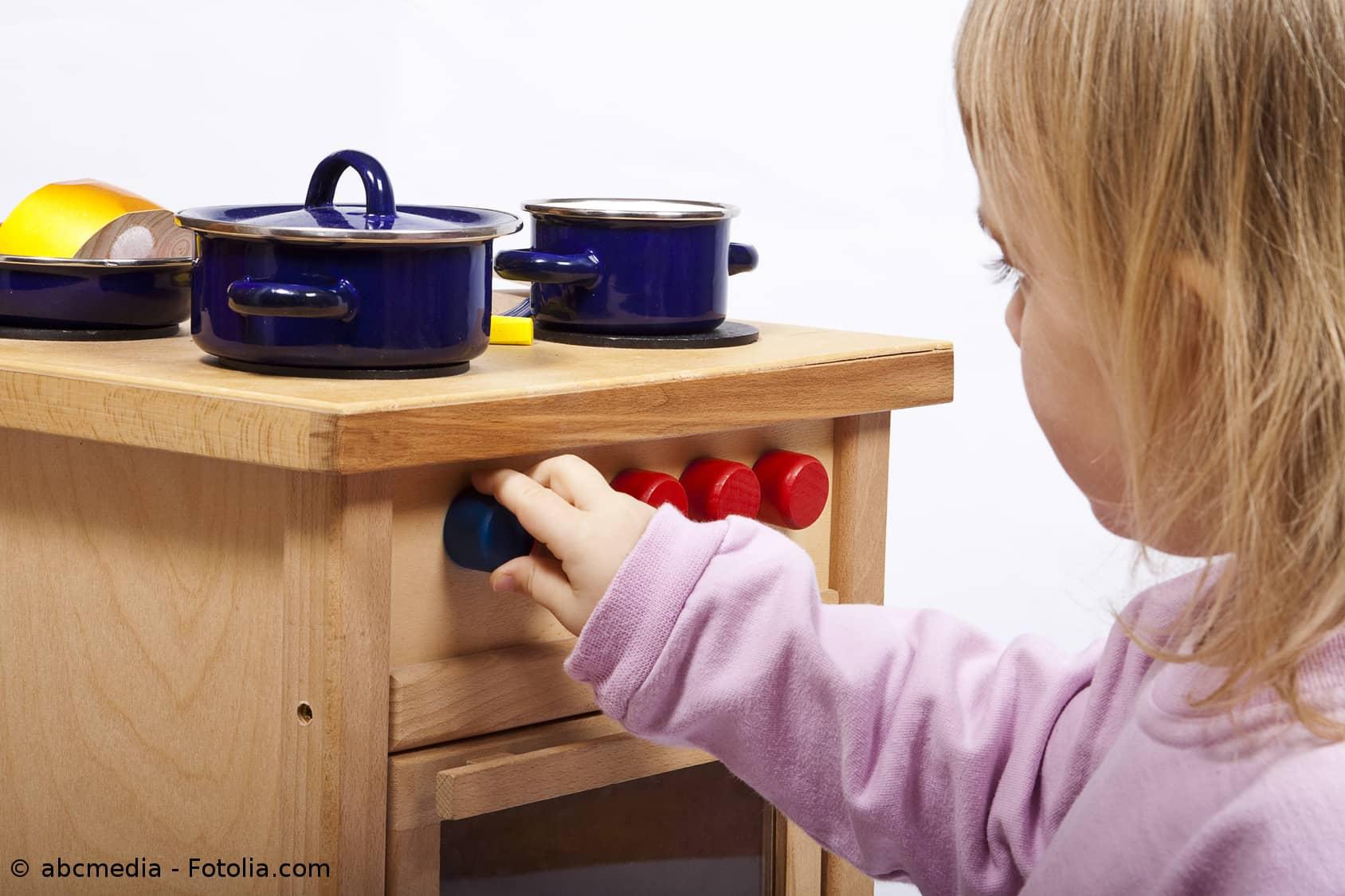 kinderk che kinderk chen f r kleine chefk che online kaufen. Black Bedroom Furniture Sets. Home Design Ideas
