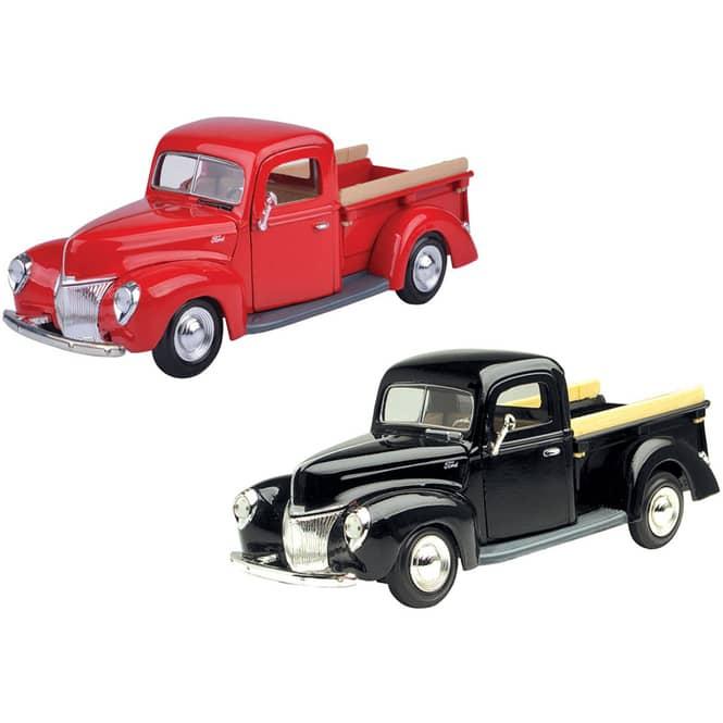 Motormax - Ford Pickup 1940 - 1:24 - verschiedene Modelle